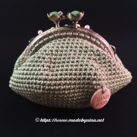 *Green and floral coin purse (back)
