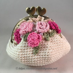 Mom's Cream 'n Rose *coin purse