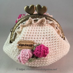 Mom's Cream 'n Rose *coin purse (Back)
