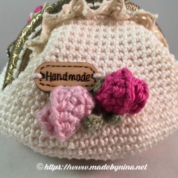 Mom's Cream 'n Rose *coin purse (Close up back)
