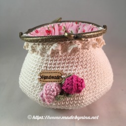 Mom's Cream 'n Rose *coin purse (Open back)