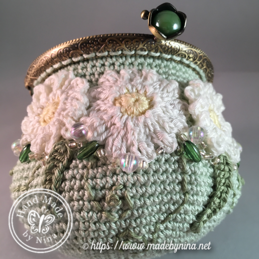Green Daisy *Coin Purse (open)