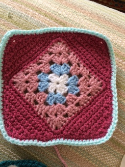 Lisa's *Blanket - Diamond Granny Square