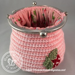 Strawberry 'n Cream *Card Purse (Open fm top)