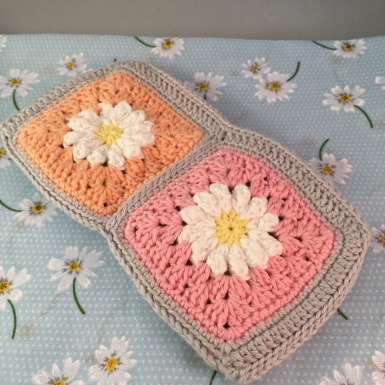 Crochet hook purse (back)