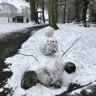 Guernsey snow 2018 - another snowman