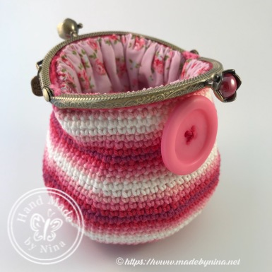 Button *Card Purse (Open side view)
