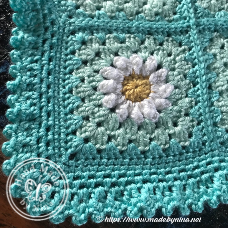 Mom's Daisy Blanket - The corner