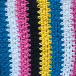 Liquorice Allsorts crochet shorts (close up)